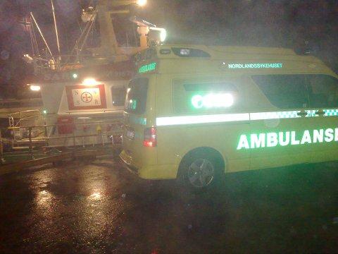 En person måtte kjøres til sykehus med røykskader.