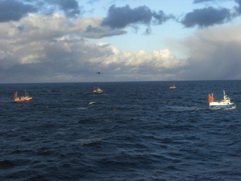 «Fjordgårdbuen» sank mandag 31. mai. Redningsaksjonen berget livet til skipperen på båten, men hans makker Reidar Thue er fortsatt savnet.