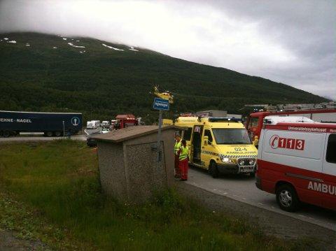 TO OMKOMMET: Redningsarbeidet er i gang i ulykken som har krevd to liv