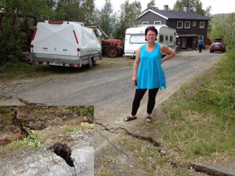 EVAKUERT: May Britt Normann er evakuert etter at grunnen i Bleikvasslia sank med 30 centimeter. Foto: Arne Forbord