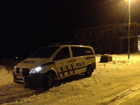SPERRET AV: Boligområdet Bjørnebekken i Hamna var sperret av deler av onsdag kveld.
