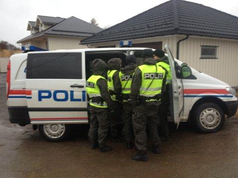 Ved 12.30-tida var politiet til stede på Fygleåsen.