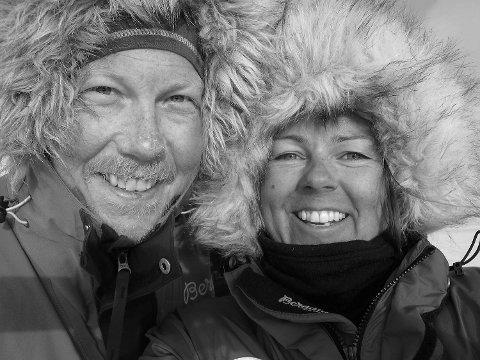Tommy Stavrum (40) og Anette K. Kristiansen (41) brukte 38 dager på å krysse verden største øy på langs.