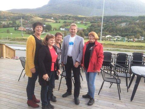 Møtte ordføreren: Reidun Gravdal (t.h.) er medlem i rassikringsgruppa, som mandag møtte ordføreren i Vang. Foto: Privat