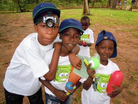 Nytt liv:  24 kenyanske barn får et nytt liv som følge av gaven fra Kynningrud og deres medarbeidere. Foto: Privat