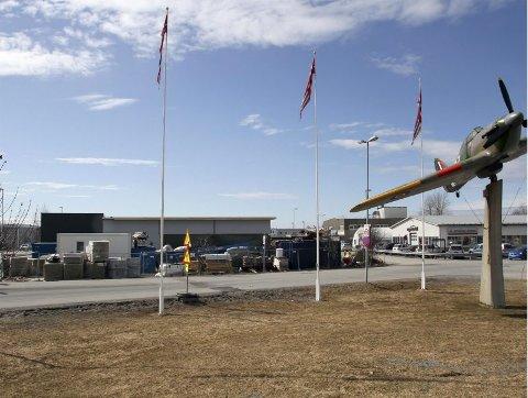 Kiwi. Brødrene Amundsen endte opp med å bygge Kiwibutikk for NorgesGruppen på tomta i Pålsvei. Den blir Kiwi nummer fire i Bodø.