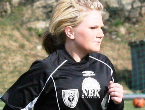 SUPERBYTTE: ENK låg under 1-3, så kom Amanda Hannisdal Espetvedt innpå og ordna tre fulltreffarar. (Foto: www.enkdamer.com)