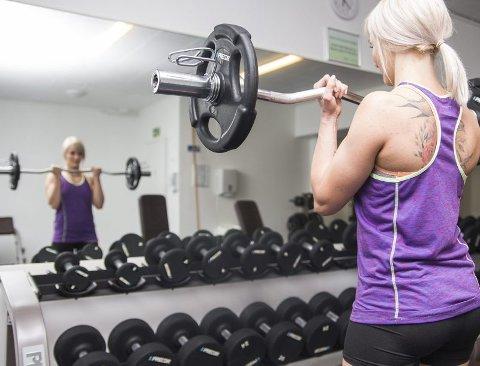 Satser 100 prosent. Som deltaker i konkurransen må Lofotjenta fokusere 100% på jobben hun gjør med kroppen sin, både når det kommer til trening og kosthold. .  Alle foto: Frida Bringslimark