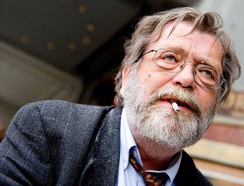 1. FRANK AAREBROT: Den 67 år gamle professoren er hele Bergens og halve Norges historieforteller. Engasjert, uredd og klar i sin kommunikasjon. En imponerende gjennomslagskraft. I året der Grunnloven ble 200 år, brukte han 200 minutter på å fortelle historien. Ga ut to bøker.