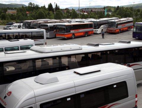 ANBUDSPROBLEMATIKK: Både Norsk Transportarbeiderforbund og Midtnorsk Transportarbeiderforening har engasjert seg i saken for sine medlemmer. De ansatte i Gauldal-Østerdal Buss har tatt ferie uten å vite hva de går til etter ferien, og når skolebusskjøringa tar til i august.