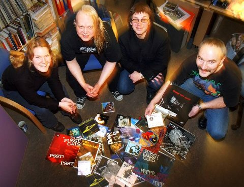 PANEL Kari Myklebost, Egon Holstad, Per Kristian Olsen og Rune Hagen velger og vraker i den nordnorske populærmusikkhistorien.