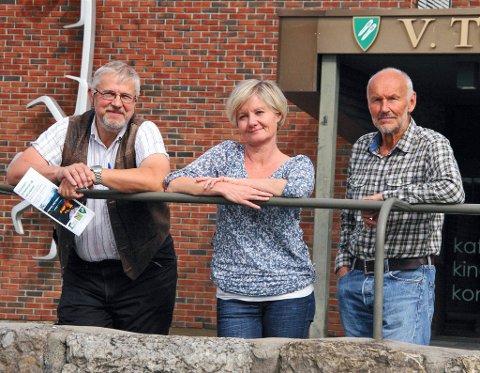 SEMINAR: Kommuneoverlege Jens Mørch (f.v.), kultursjef Elisabeth Lund og Kjell Haugen fra Naturvernforbundet håper mange tar turen til Raufoss for å få med seg seminaret.FOTO: ESPEN AMUNDRUD SOLHAUG