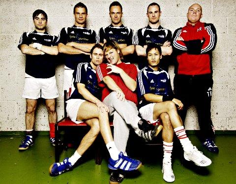 Hver tirsdag kan du se serien om det homofile håndballaget Raballder.