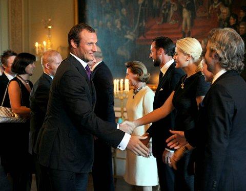 Kronprinsesse Mette-Marit i samtale med OL-helten Aksel Lund Svindal.