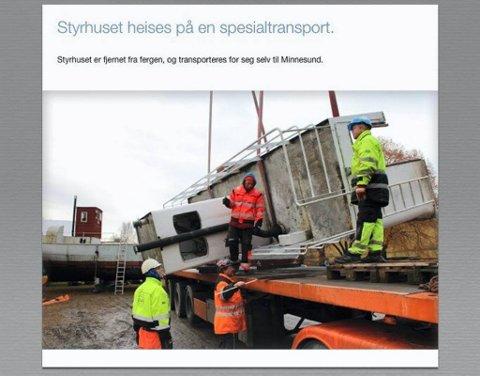 GLAD FOR Å SLIPPE ANSVARET: Roar Sundt reddet lasteskipet MS Brandbu (i bakgrunnen) i 1979, og har vedlikeholdt fartøyet i alle år. Nå ligger det trygt på land.Foto: Terje Nilsen