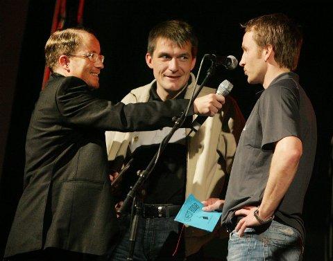 ? Stor idrett. ? Stor idrett, konstaterte Stig Johansen som delte ut pris sammen med Glimt-trener Ola Haldorsen.