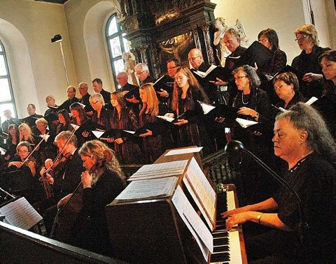 Stemningsfullt: Valen-koret holdt en flott konsert i Fredriksvern kirke søndag.