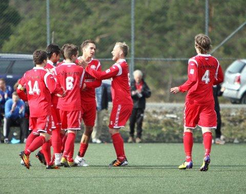 GRUNN TIL Å JUBLA: NBK har alt å spela for etter at Nest-Sotra 2 rota vekk ein potensiell matchball mot Løvstakken i går kveld.