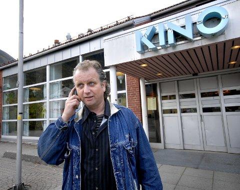 TRIST: Arrangør Roar Møller synes det er trist at duoen Jørn Hoel og Steinar Albrigtsen må avlyse sin konsert i Mosjøen kulturhus torsdag kveld