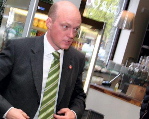 ETTERLYSER GRUPPE: Stortingspolitiker Hans Frode Asmyhr (Frp) mener det er behov for en egen barnebort- føringsgruppe for å få bukt med problemet med bortføringssaker som ikke løses. FOTO: RUNE BERNHUS