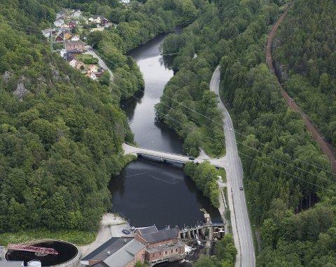 Levningene ble funnet i området ved Fosseløkka sent lørdag kveld.