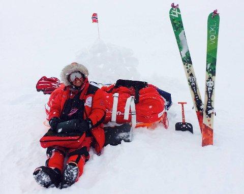 Anette K. Kristiansen (41) kitet Grønland på langs med 100 kilo bagasje fordelt på to pulker.