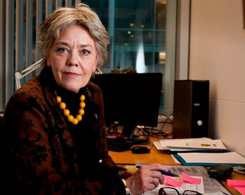 SAKSØKER: 19-åringen har rettet erstatningskrav mot Tromsø kommune etter ha blitt mobbet ved en skole i Tromsø. Utdanningsbyråd Anna Amdal Fyhn (H) forteller at hun er kjent med erstatningskravet, men kan ikke kommentere saken ytterligere.