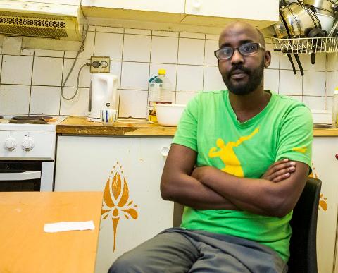KNUSTE DRØMMER: Ahmed Mohammed (28) fra Somalia hadde valget mellom Al-Shabbaab og piratvirksomhet i Adenbukta. Han satset heller alt han eide på å komme seg til Europa.  Han tapte og må rykke tilbake til start.