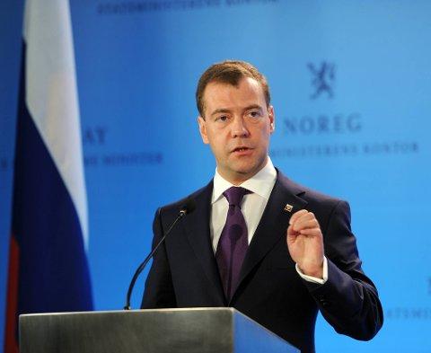 Dmitrij Medvedev mener ar blitt friere under hans styre. Snart tar Vladimir Putin over som president.