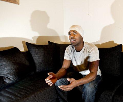 VIL ENDRE HOLDNINGER: Ahmed Kerigo er opprørt over det han mener er manglende respekt fra enkelte innvandrermenn overfor norske kvinner. Han frykter at konsekvensen vil bli mer rasisme i Norge.  FOTO: TOM GUSTAVSEN
