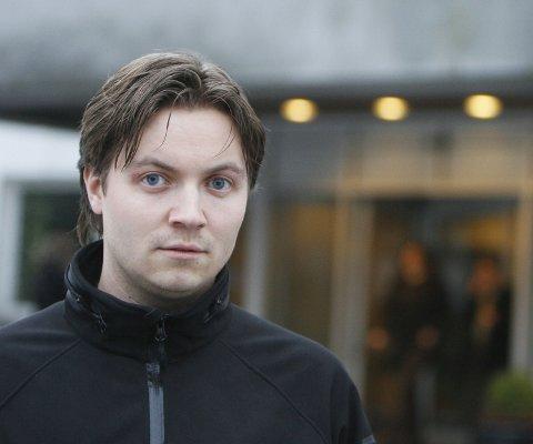 Lars Rune Føleide (29) har fremdeles arr over høyre øye. Nå krever NHH-studenten 36 millioner kroner i erstatning fra en medstudent.