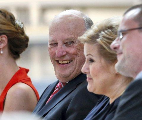 celebert: Både kong Harald og statsminister Erna Solberg var til stedet under avslutningen av Prøysenjubileet. foto: NTB scanpix