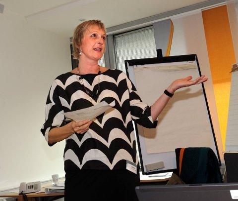 Professor Maja-Lisa Løchen, leder i Nasjonalt råd mot tobakksforebygging, mener Norge bør ligge på minst like lavt nivå som Sverige på røyketall.