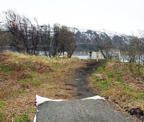 HIT, men ikke lengre: Hit har Tromsø kommune bygd turveg. Nå varslet de ekspropriasjon for å bygge turvegen rundt sydspissen av Tromsøya ferdig.Foto: Stian Saur