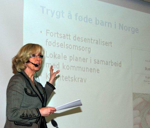 Helseminister Anne-Grete Strøm-Erichsen inviterer alle til å påvirke innholdet i samhandlingsreformen. Onsdag arrangerte hun nasjonal høring om temaet på Mo. Foto: Toril S. Alfsvåg
