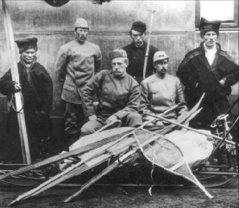 FASCINERER: På mandag er det 150 år siden Fridtjof Nansen (foran til venstre) ble født. Det er mange årsaker til at vi husker denne fascinerende mannen, skriver historiker Harald Dag Jølle.