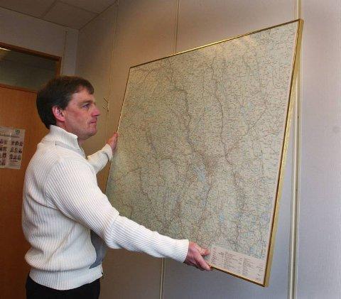 GULROT:  Bjørn Fauchald, som  leder prosjektet med å utrede nye kommunegrenser i Oppland, sier at rapporten om endrede rammetilskudd bare er en del av et større hele i vurderingen av sammenslåinger.  Arkivbilde
