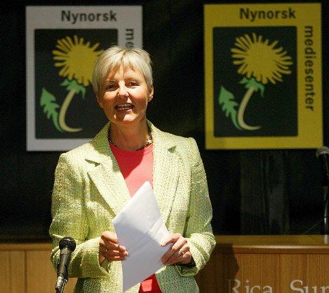 NYNORSKPRIS: Dåverande kulturminister Valgerd Svarstad Haugland offentleggjorde opprettinga av ein nynorsk journalistpris under opninga av Nynorsk mediesenter.