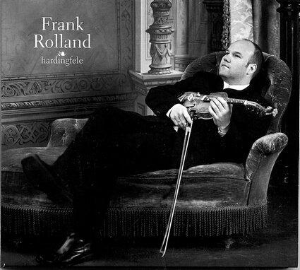 SPELEMANNEN FRANK ROLLAND har gått solo. Han må gjerne drømme og høre mer på de gamle spelemennene - og la det bli flere tolkninger på nye CDer.