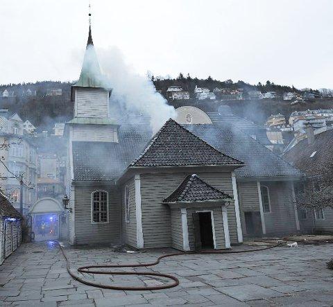 En kvinne har innrømmet at det var hun som sto bak da det tok fyr i St Jørgen kirke.
