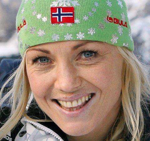 NYNORSKBRUKAR: OL-vinnar og forretningskvinne Kari Traa kan no også smykke seg med tittelen Årets nynorskbrukar.