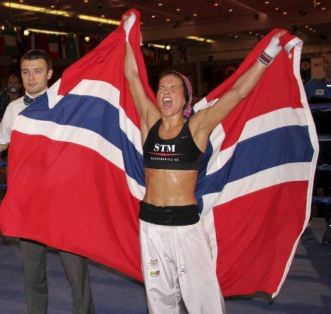 Marielle V. Hansen er verdensmester i kickboksing.