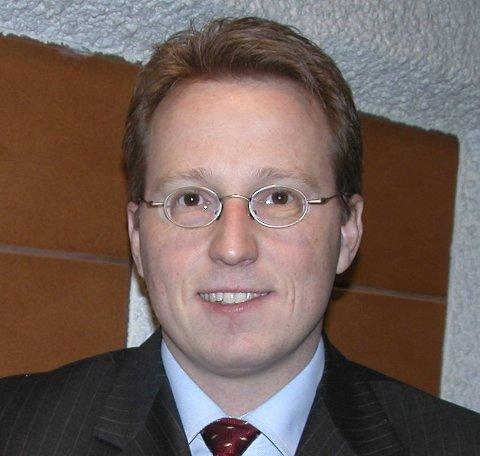 Robert Aakre.