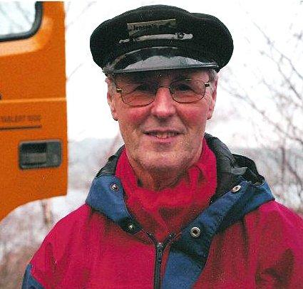 Kjell Sandvik Jensen har drevet krigføring mot brunsneglene i årevis. I hans hage i Åsane viser det seg at vørterøl virker aller best.