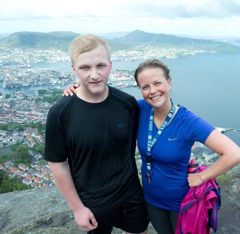 På toppen sammen med venninnen Anne Kathrine.