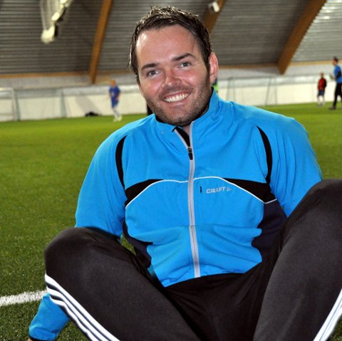 Styremedlem i FK Lofoten, Tom Steffensen, mener det er et solid tegn når to vesterålinger flytter til Lofoten for å spille fotball.