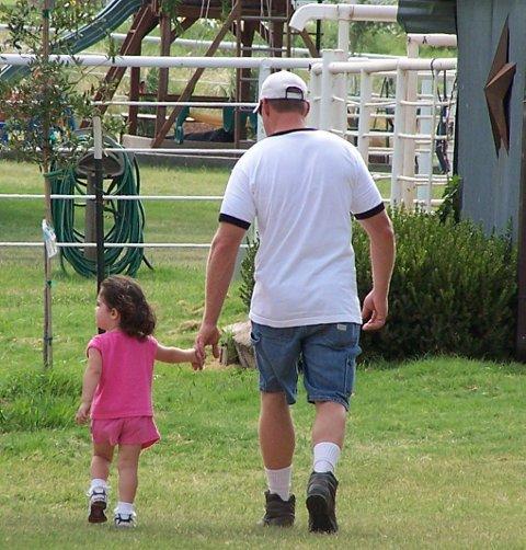 OPPDRAGELSE: Foreldre som klarer å oppdra sine barn uten å ty til fysiske avstraffelser, vil oppleve at barn i større grad tar ansvar i situasjoner der de ellers er vanskelige å ha med å gjøre. Illustrasjonsfoto: ANB