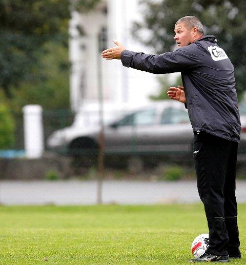 Mons Ivar Mjelde har i vinter vikariert som trener for Hausviks A-lag i 6. divisjon. Her fra sin tid som Brann-trener.