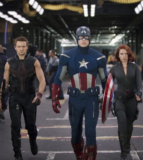 Heltene. Hawkeye (Jeremy Renner), Captain America (Chris Evans) & Black Widow (Scarlett Johansson) må redde verden i «The Avengers».