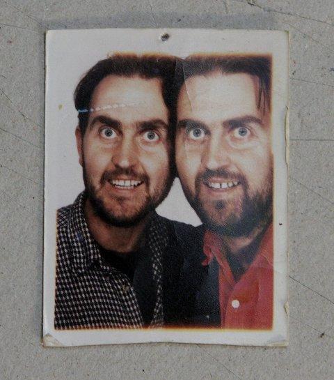 ENEGGEDE TVILLINGER | ? Ingen får karikaturene til å likne på modellene som han gjør, sier Egils tvillingbror Svein (til høyre). Bildet er tatt i 1994.